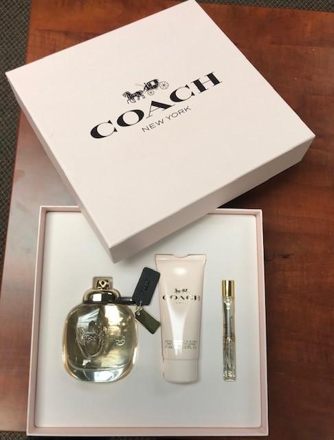 Coach Floral Eau de Parfum Gift Set. Value: $150.00